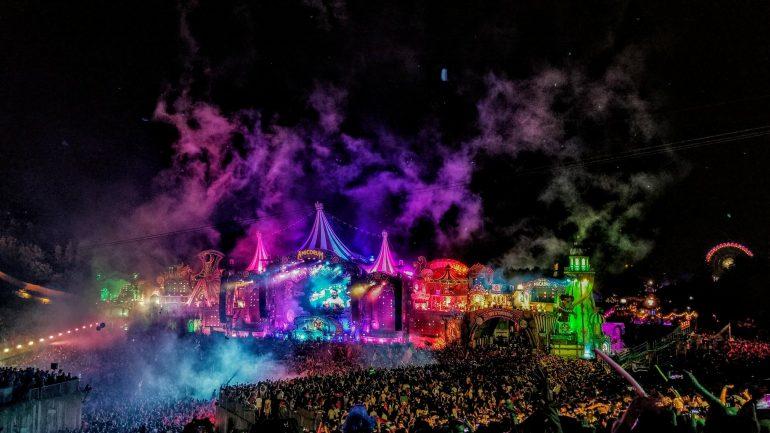 Tomorrowland Belgium: 4/5 Stars on TripAdvisor – Backpacks